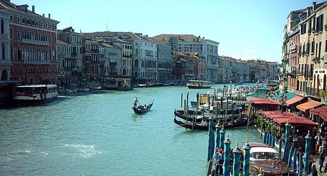 640px-Wenecja_Canal_Grande