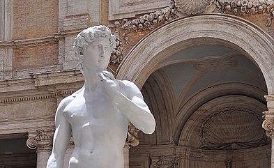 Statue_of_David_-_Michelangelo