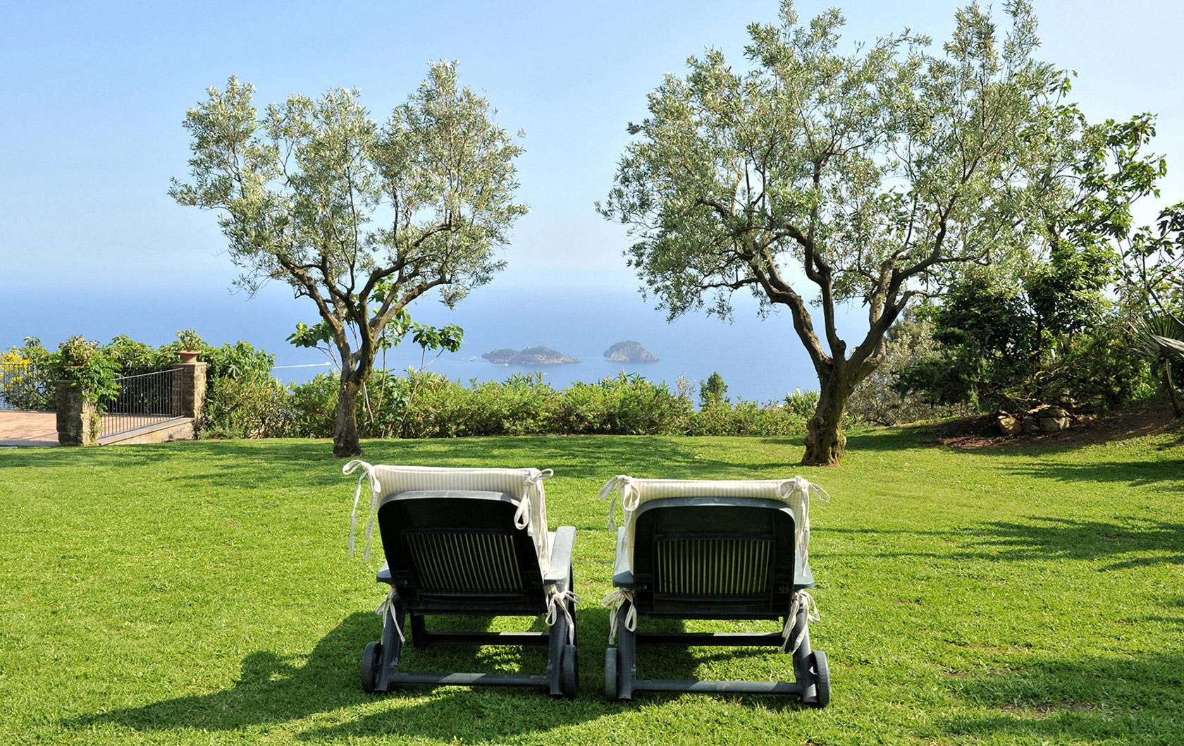 Vista Serena Luxury Villa: Amalfi Coast Gem