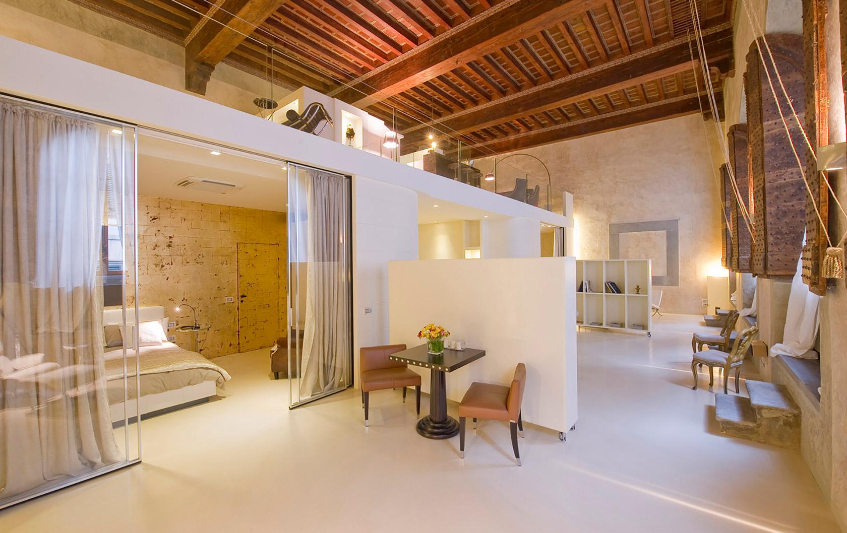 Luxury Meets Opera History: Fascinating La Camerata Fiorentina Apartment