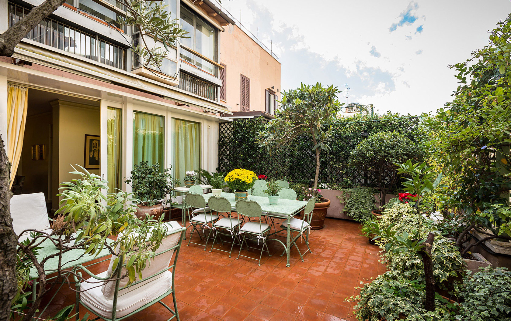 Best of Rome: Fabulous Spagna Apartment Has It All!