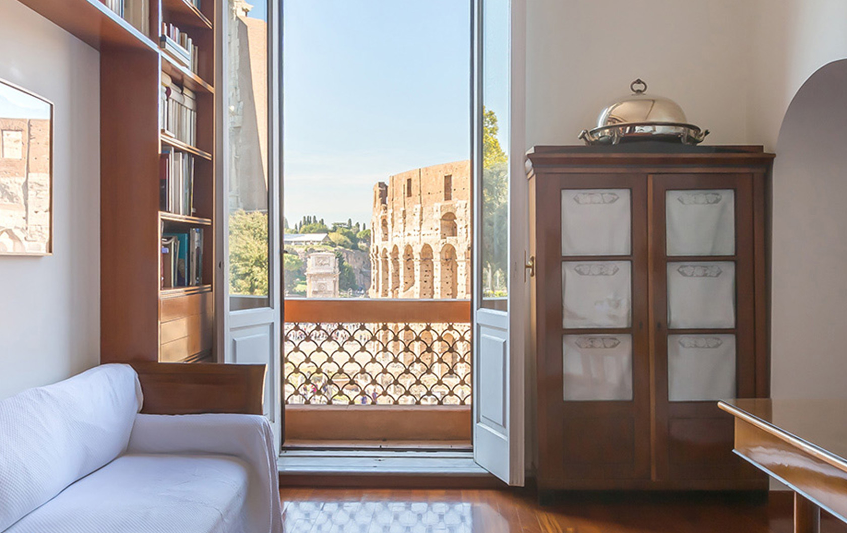 Timeless Views from the Imperial Vista Apartment