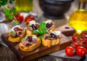 italy-perfect-crostini-bruschetta