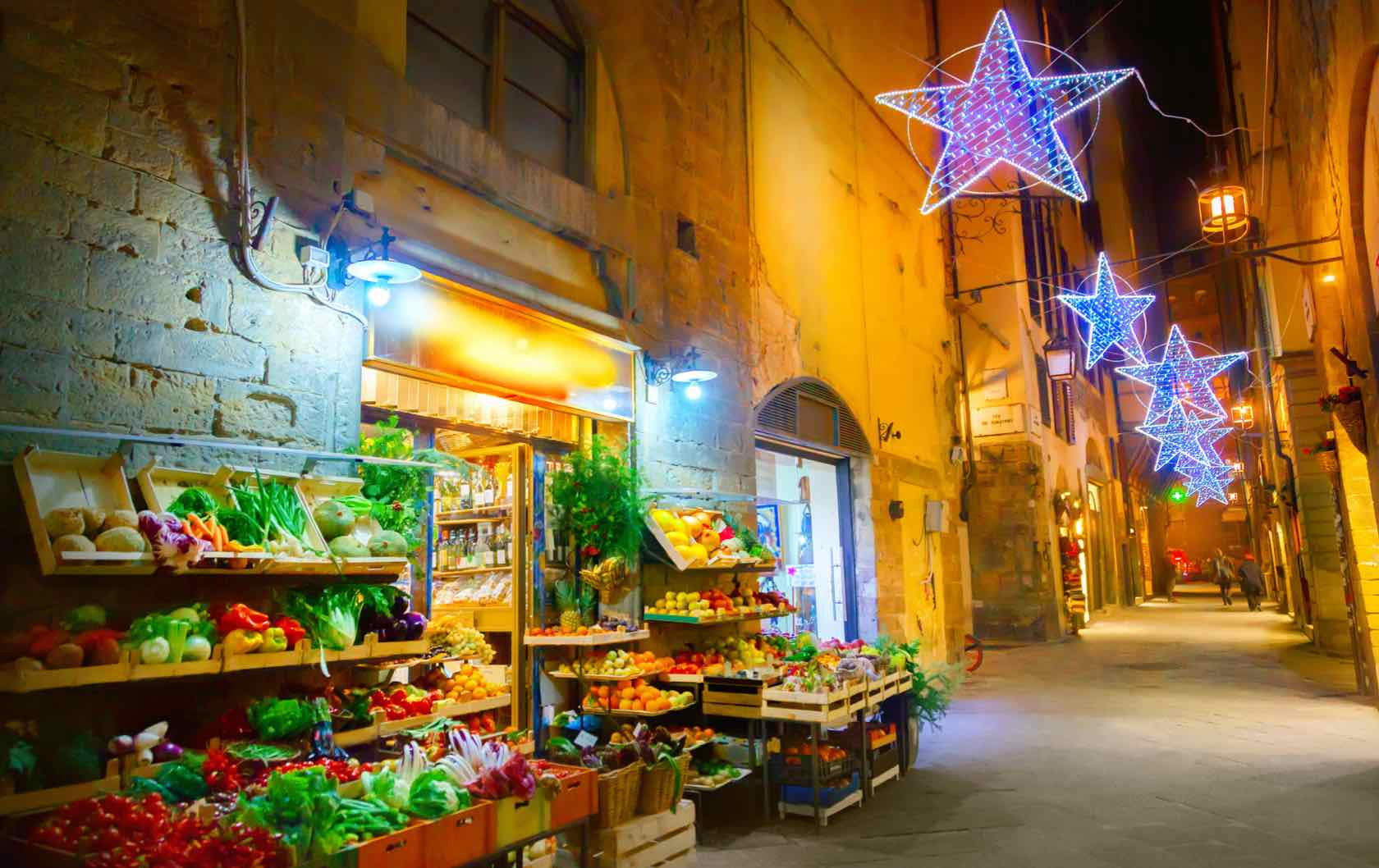 Christmas Traditions in Italy by Italy Perfect Christmas lights in Florence