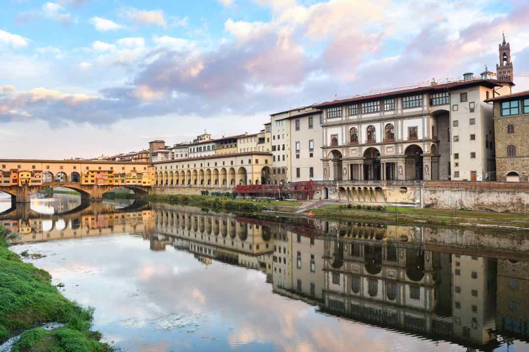 Uffizi Gallery Florence summer heat in italy