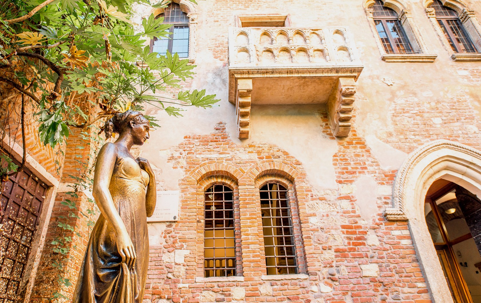Verona's Romantic Inspiration from Romeo and Juliet