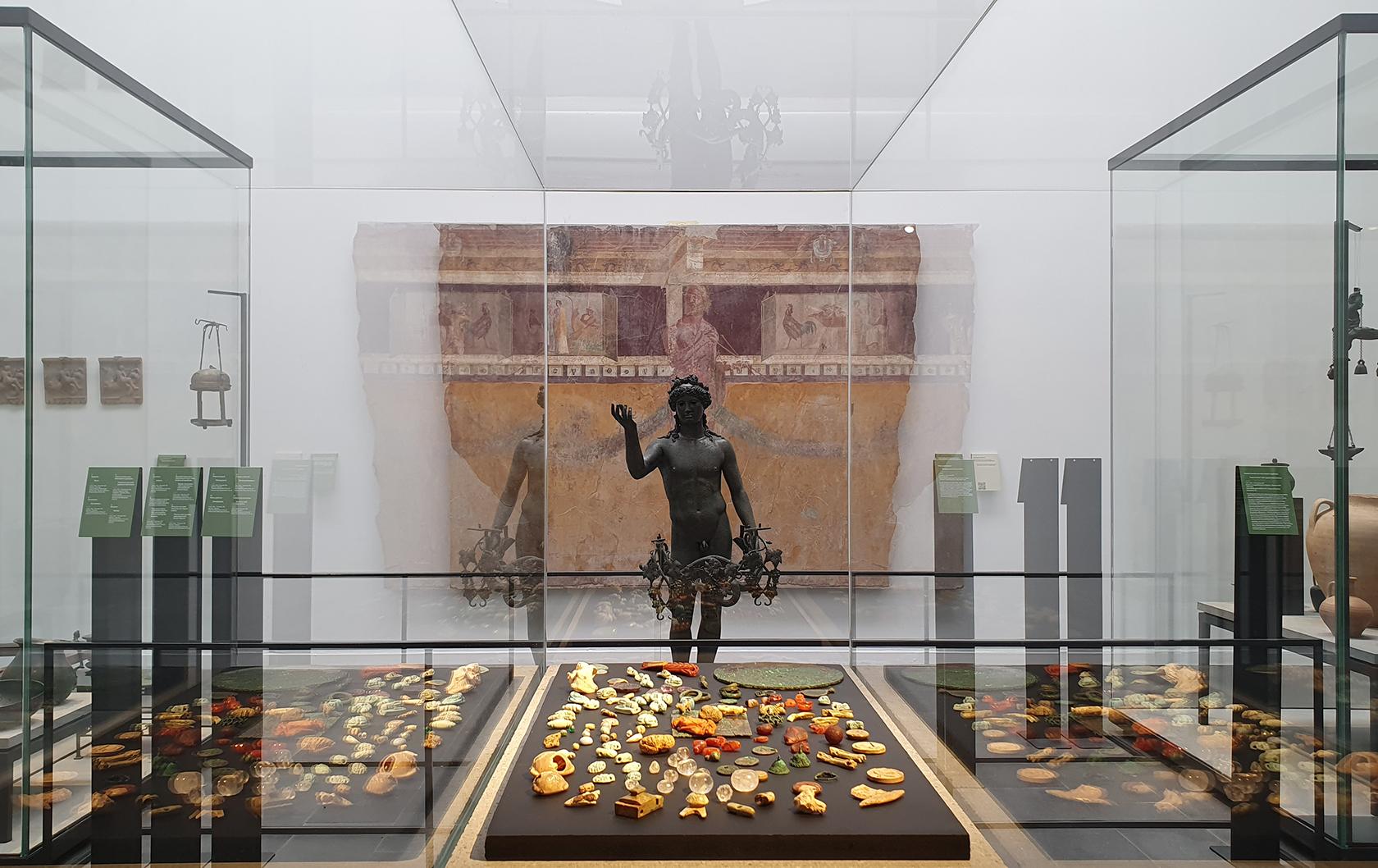Pompeii Antiquarium museum display